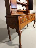 Fine Quality Late 19th Century Oak Dresser & Rack (3 of 5)