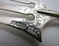 Antique Edwardian 1902 Solid Sterling Silver & Mother of Pearl Bread Muffin Cake Fork Server (3 of 5)