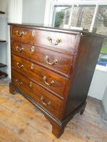 Small 18th century Chest of Drawers (5 of 7)