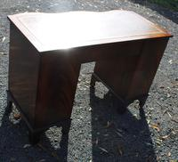 1960s Mahogany Serpentine Front Desk with Tan Leather Top (4 of 5)