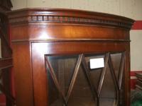 Glazed Mahogany Corner Cabinet (2 of 3)
