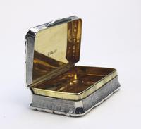 A Good Antique Solid Silver Engraved & Engine Turned Table Snuff Box C.1860 (9 of 11)