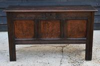 Handsome Early 18th Century Oak Coffer / Blanket Box / Chest c.1700 (4 of 8)