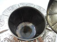 Antique Victorian Silver Teapot  London 1844 Barnard Brothers (9 of 10)