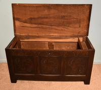 Early 18th Century Oak Coffer Carved (6 of 7)