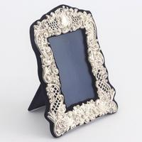 Pierced & Embossed Silver Photograph Frame by Broadway & Co 1906 (4 of 9)