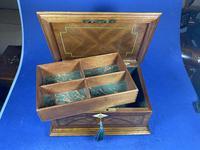 19th century French Walnut Inlaid Jewellery Box. (8 of 16)