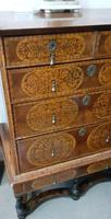 William & Mary Period Oyster Kingwood, Rosewood Marquetry Chest (3 of 8)