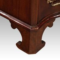 Edwardian Small Serpentine Chest (4 of 10)
