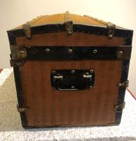 Dome Top Miniature Travelling Trunk (6 of 7)