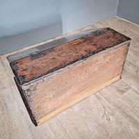 17th Century Oak Deed Box (4 of 4)