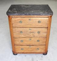 A 19th Century French Chest of Drawers (4 of 10)