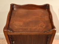 Matched Pair of Mahogany Bedside Cabinets / Tables (4 of 9)