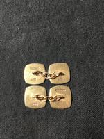 Pair of 9ct gold cufflinks (2 of 2)