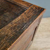 17th Century Oak & Elm Coffer (9 of 10)