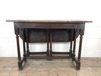 Early 18th Century Oak Gateleg Table (2 of 11)