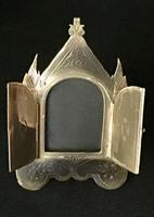 Small Brass Gothic Revival Easel Photo Frame (2 of 5)