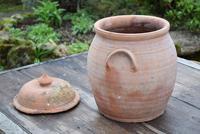 Large Earthenware Lidded Storage Jar (8 of 10)
