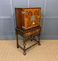 Burr Walnut Carolean Style Cocktail Cabinet (4 of 18)