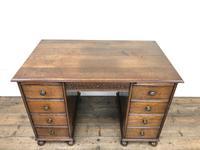 Early 20th Century Oak Kneehole Desk (4 of 14)