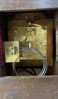 R M Schnekenburger Mantle Clock (2 of 8)