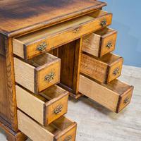 Oak Knee-hole Desk (2 of 9)