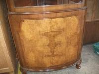 Glazed Burr Walnut Corner Cabinet (5 of 7)