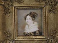 1820 Hand Painted Miniature Portrait Swept Gilt Frame (3 of 4)
