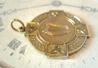 Vintage Pocket Watch Chain Fob 1940s Large Golden Gilt Irish Harp Shield Fob Nos (4 of 8)