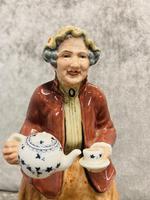 Tea Time Figurine (3 of 9)