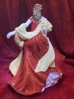 "Royal Doulton Figurine Titled ""Winter Ball"" from Pretty Ladies Collection HN5466 (4 of 9)"