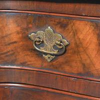 Georgian Style Figured Walnut Serpentine Chest of Drawers (6 of 10)