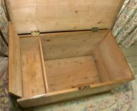 Victorian Stripped Pine Blanket Box with Lots of Storage (5 of 8)
