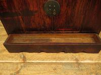 Antique Chinese Qing Shrine Shelf Cabinet with Doors (9 of 18)