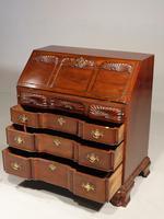 Beautifully made George III Period Mahogany Bureau in the American Taste (4 of 5)