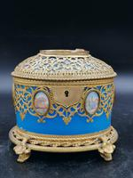 Exclusive Large Box / Box in Blue Opaline Glass with Miniatures from Paris / Palais-Royal (2 of 7)