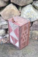 Scandinavian / Swedish 'Folk Art' painted & geometric chip-carved timplåda / sliding-lid box early 19th Century. (2 of 11)