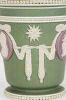 Wedgwood Georgian Three Color Jasperware Medallion Vase c.1790 (8 of 15)