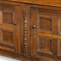 Good Late 17th Century Oak Court Cupboard (4 of 6)