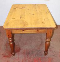 1920s Small Country Pine Table on Turned Legs (4 of 4)
