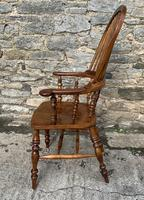 Pair of Antique Broad Arm Windsor Chairs (21 of 28)