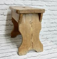 Slab Sided Country Pine Stool (3 of 5)