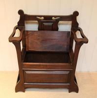 Small Proportioned Oak Hall Bench (4 of 9)