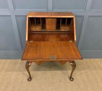 Very Good Queen Anne Style Burr Walnut Bureau (10 of 18)