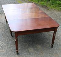 1830s Mahogany Pull-out Table with Two Leaves on Turned Legs with Castors (7 of 7)