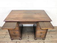 Early 20th Century Oak Kneehole Desk (10 of 14)