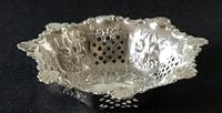 Silver Reticulated, Repousse Decorated  Bon Bon  Dish  Birmingham 1907 (2 of 5)