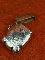 Antique Sterling Silver Hallmarked Vesta Gold Gilt 1921, John Rose (6 of 12)
