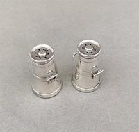 Pair of Chester Silver Novelty Edwardian Pepperettes (3 of 5)