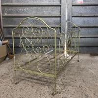 Large Victorian Cast Iron Cot (2 of 5)